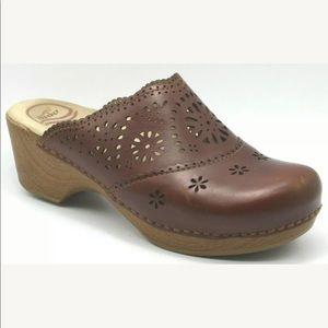 Dansko Womens Shoes Skylar Amber Clog Slip On